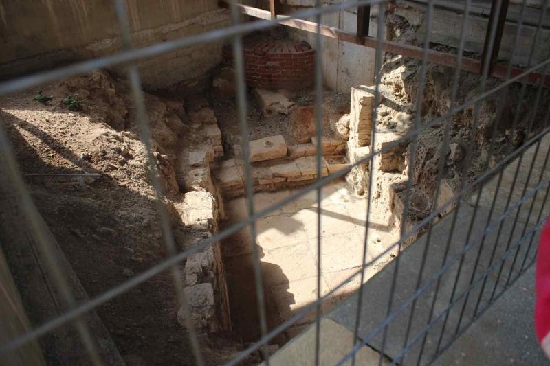 24-08-2016 Κάτι που μπορεί να θρυμματιστεί– Εργαστήρι Αρχαιολογικής Ανασκαφής.