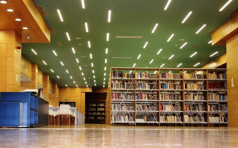 Δωρεά βιβλίων από το Γενικό Προξενείο της Ομοσπονδιακής Δημοκρατίας της Γερμανίας προς τη Κοβεντάρειο Δημοτική Βιβλιοθήκη Κοζάνης